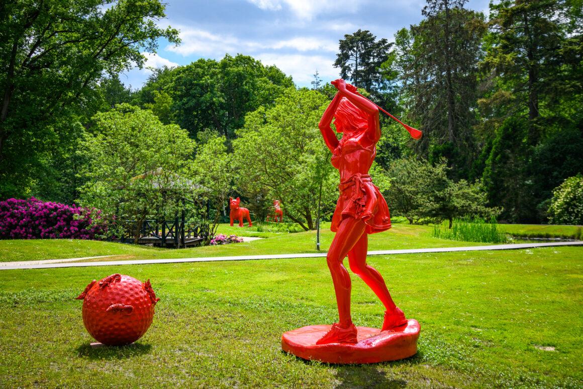 Kasteeltuinen Arcen exposeert werken van de beeldend kunstenaar William Sweetlove.